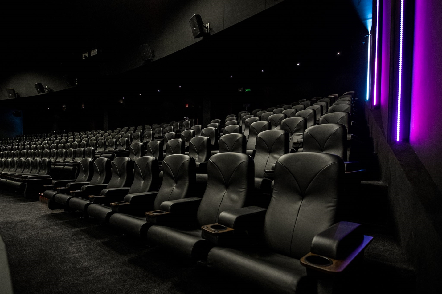 Acoustics and the Movie Theater - Radio 1 - Plexus - Plexus Radio - Acoustics - Movie - Theater